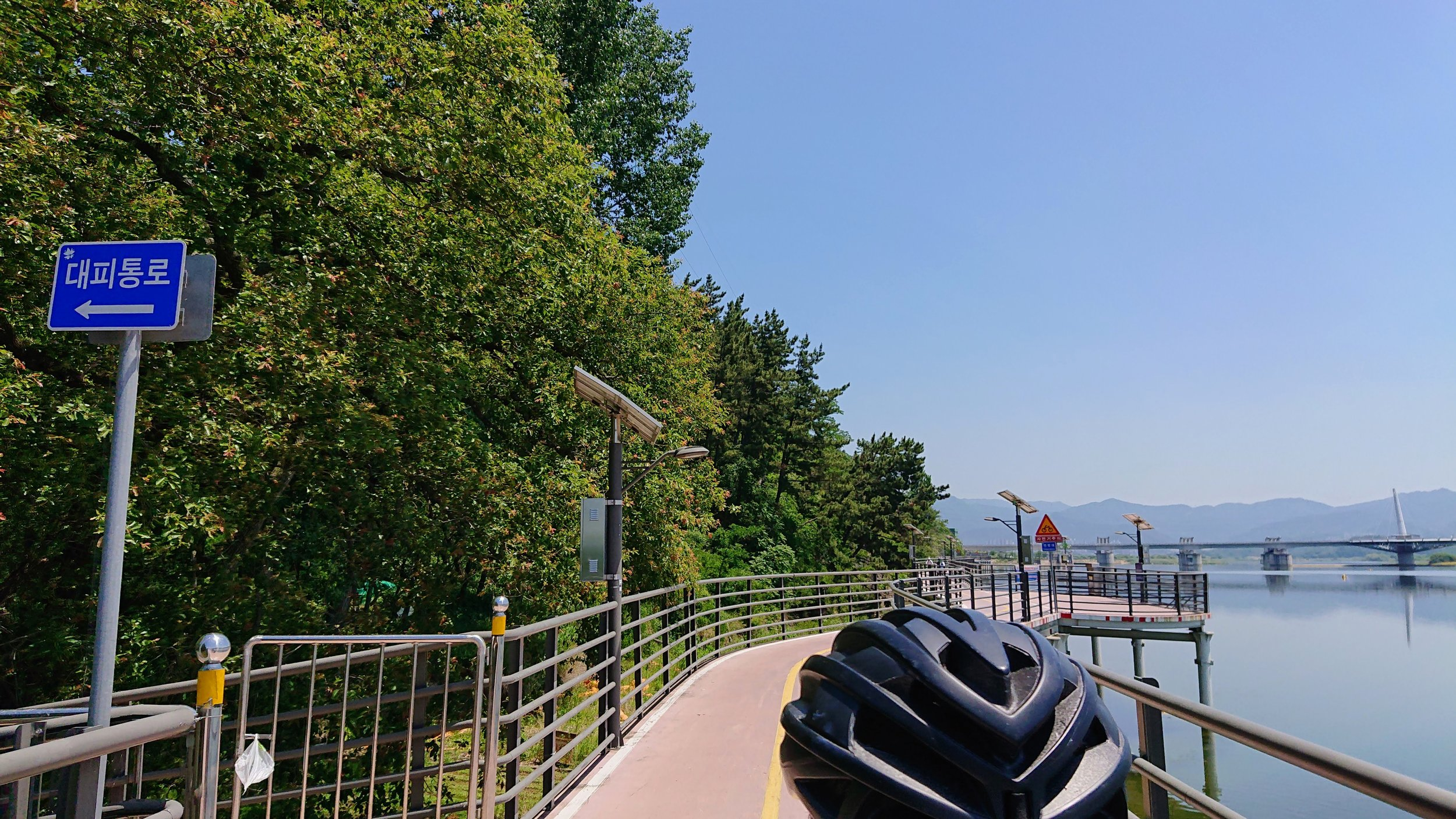 When we say the route was flat due to its proximity to the river, we weren't kidding. For this stretch, they literally built the bike path on a bridge beyond the natural landscape into the water.