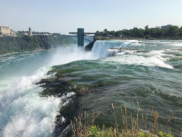 American Falls 🇺🇸🇨🇦 Fun-filled weekend thanks to my spontaneous and adventurous wife. Attended a wonderful wedding, explored the Finger Lakes, ventured into Canada for Canada Day, and crammed in just about everything you can at Niagara Falls.