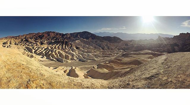 There is no shortage of natural beauty, even among the most desolate of places.  Death Valley National Park 💀☀️