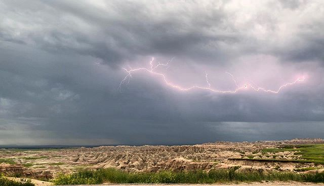 Welcome to the badlands ⚡️ • • • #badlandsnationalpark #nps #storm #muddy #supportyourparks #roadtrip #ventureout #southdakota