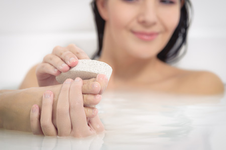 25834266_S_woman_soap_bath_clean_feet_wash.jpg
