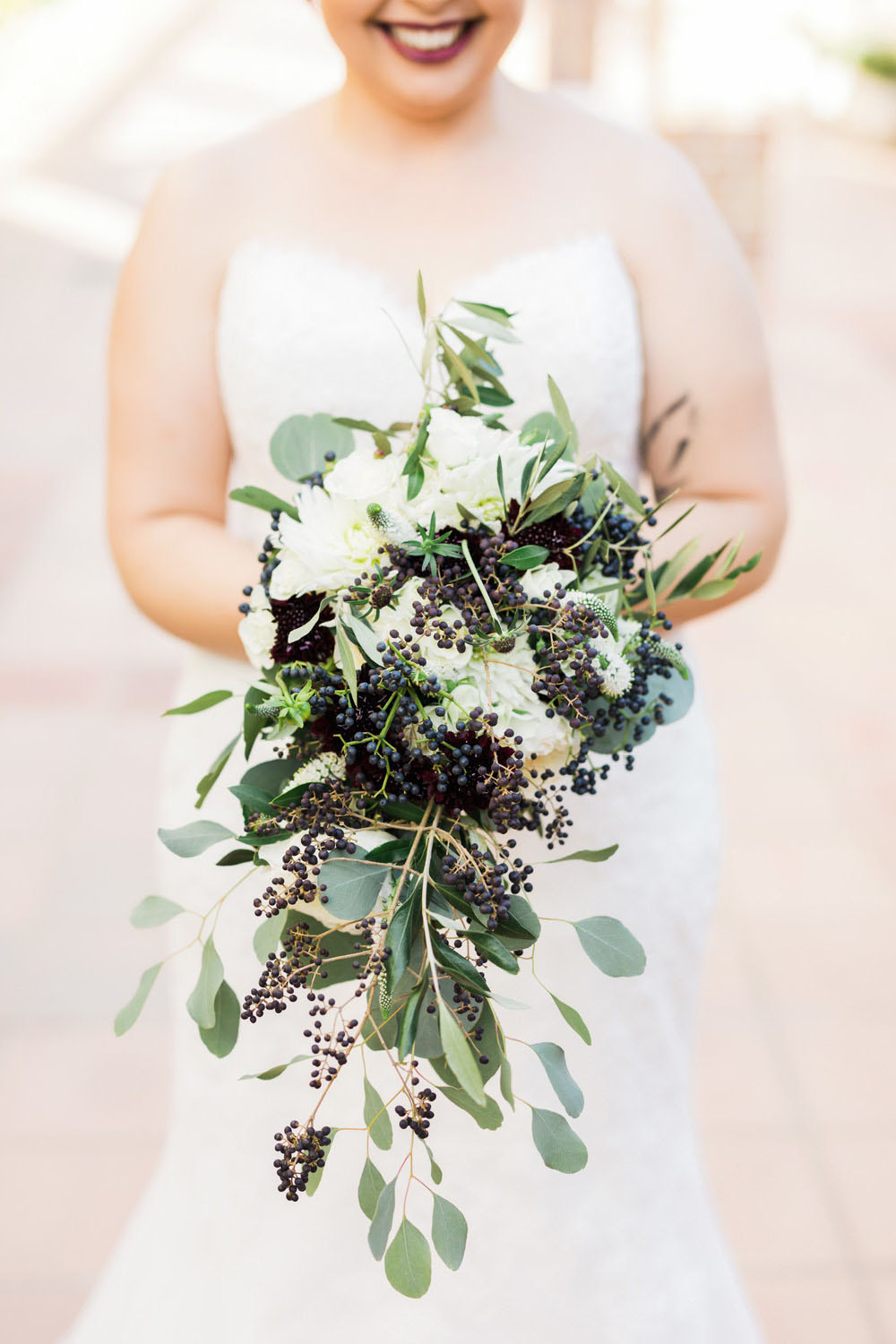 wedding-photography-portugal-bride-floral-bouquet-4.jpg