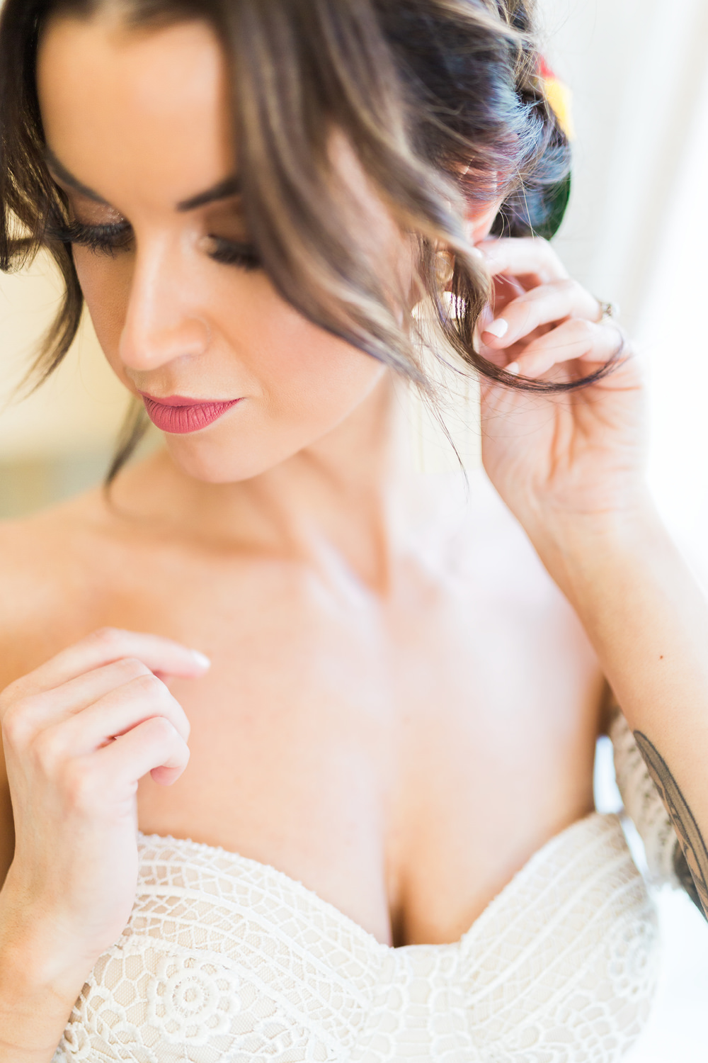 Bride makeup and hairstyle in Elopement in Seteais Palace in Sintra