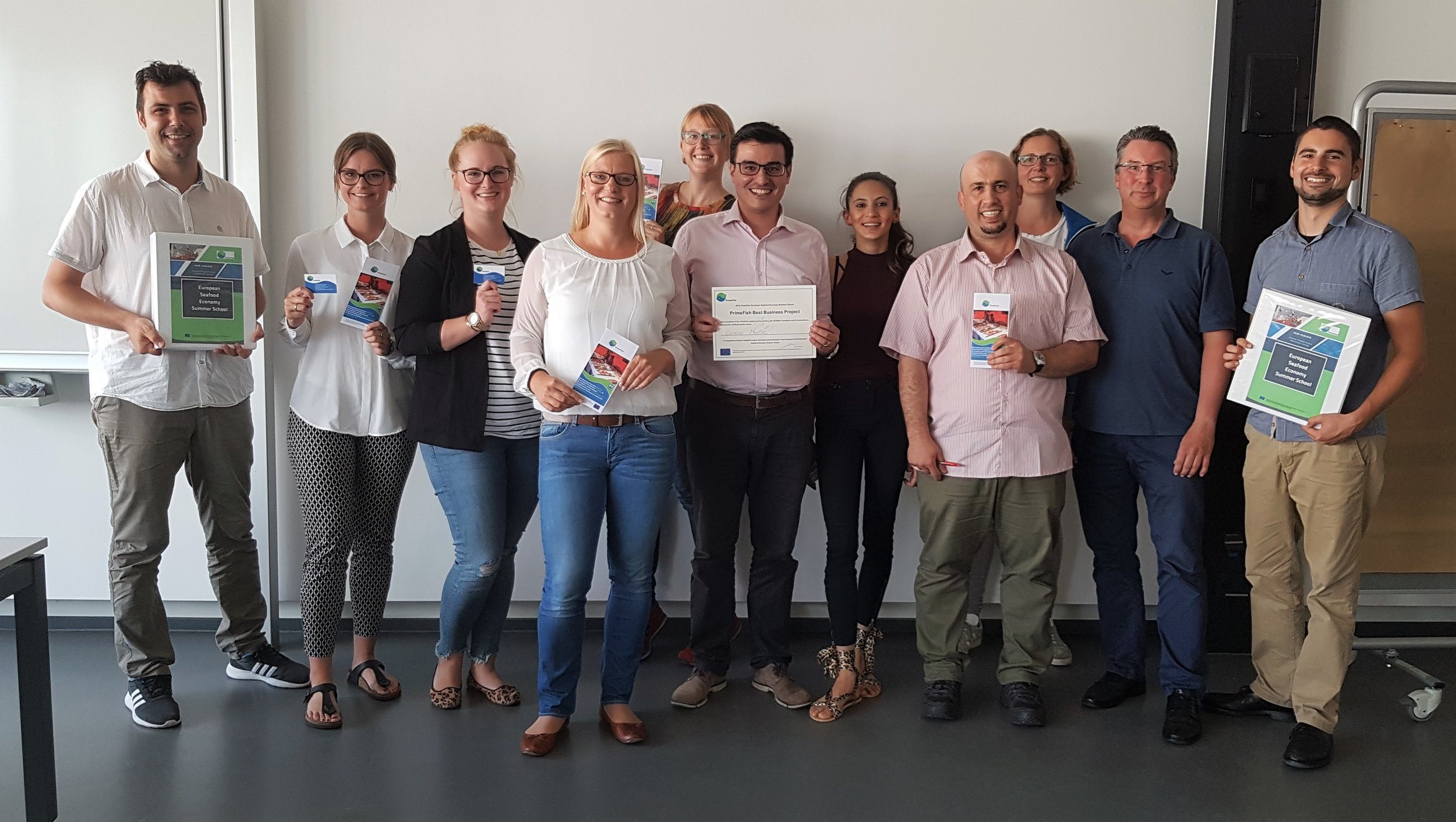 Some of participants and tutors at the end of the summer school