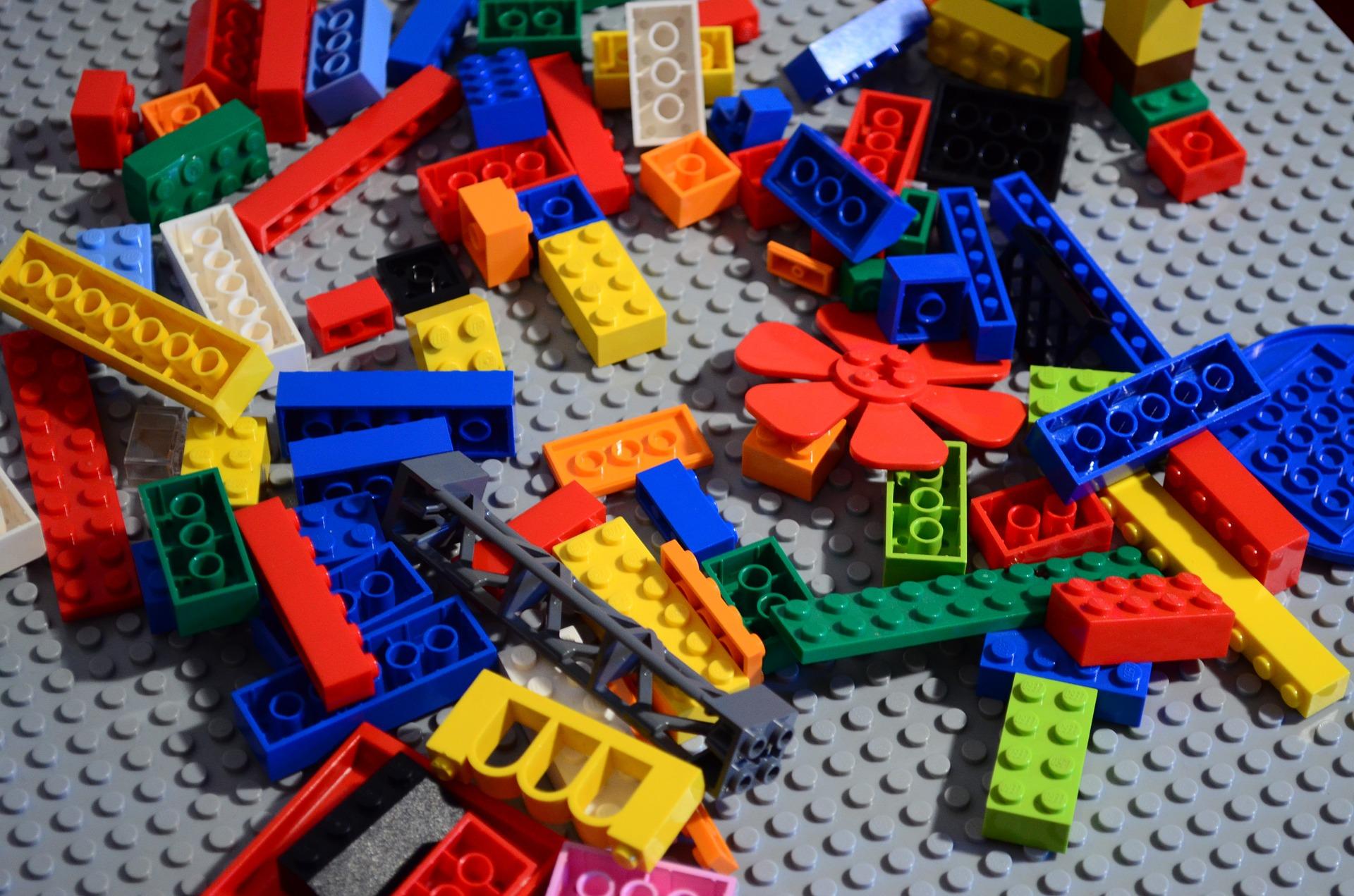 lego-688154_1920.jpg