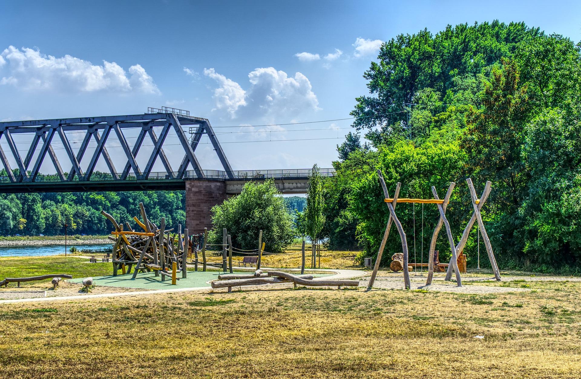 playground-3584693_1920.jpg