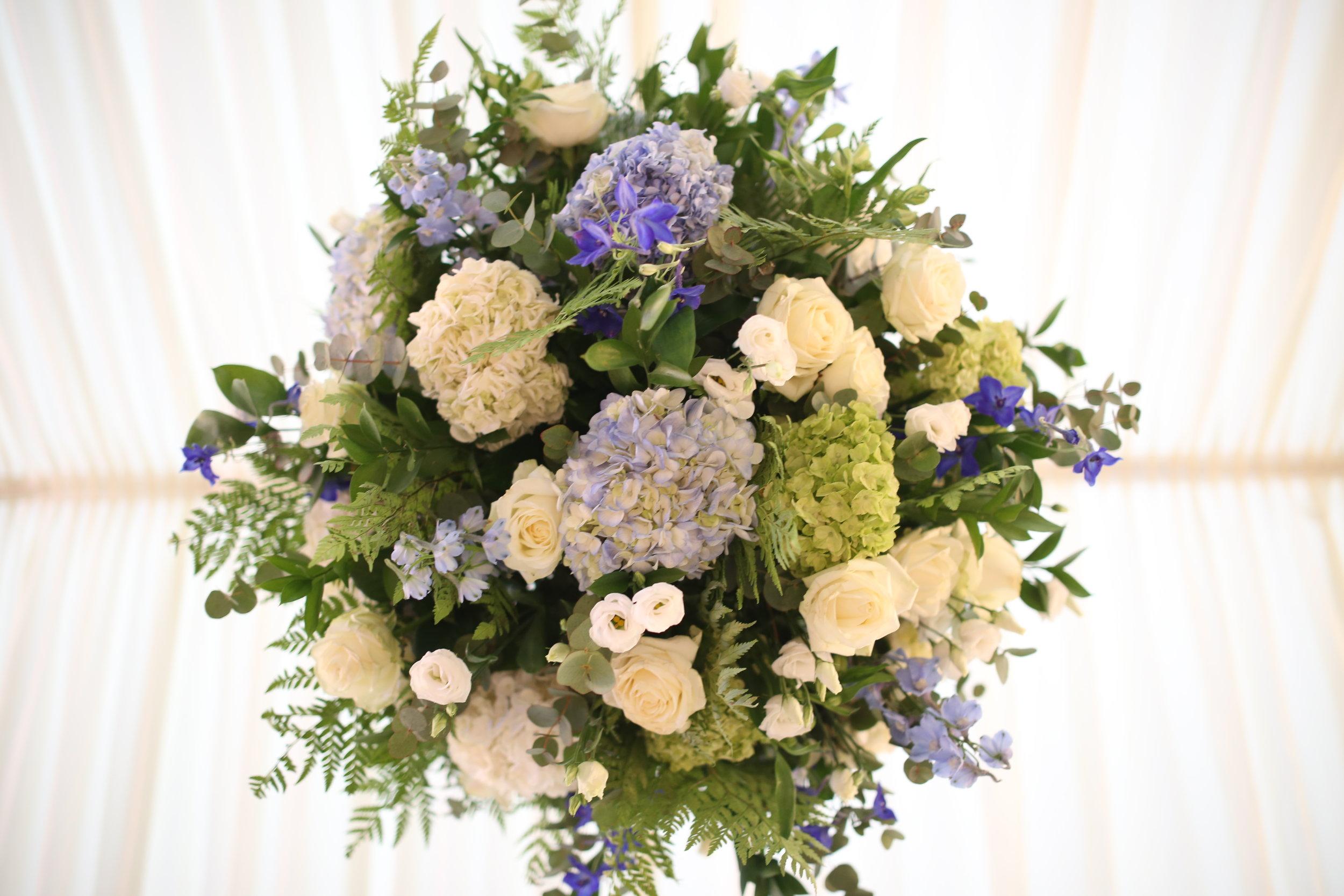 HANGING_CHANDALIER_BALL_HYDRANGEA_MARQUEE_MIRIAM_FAITH_WEDDING_FLOWERS_BLUE.JPG