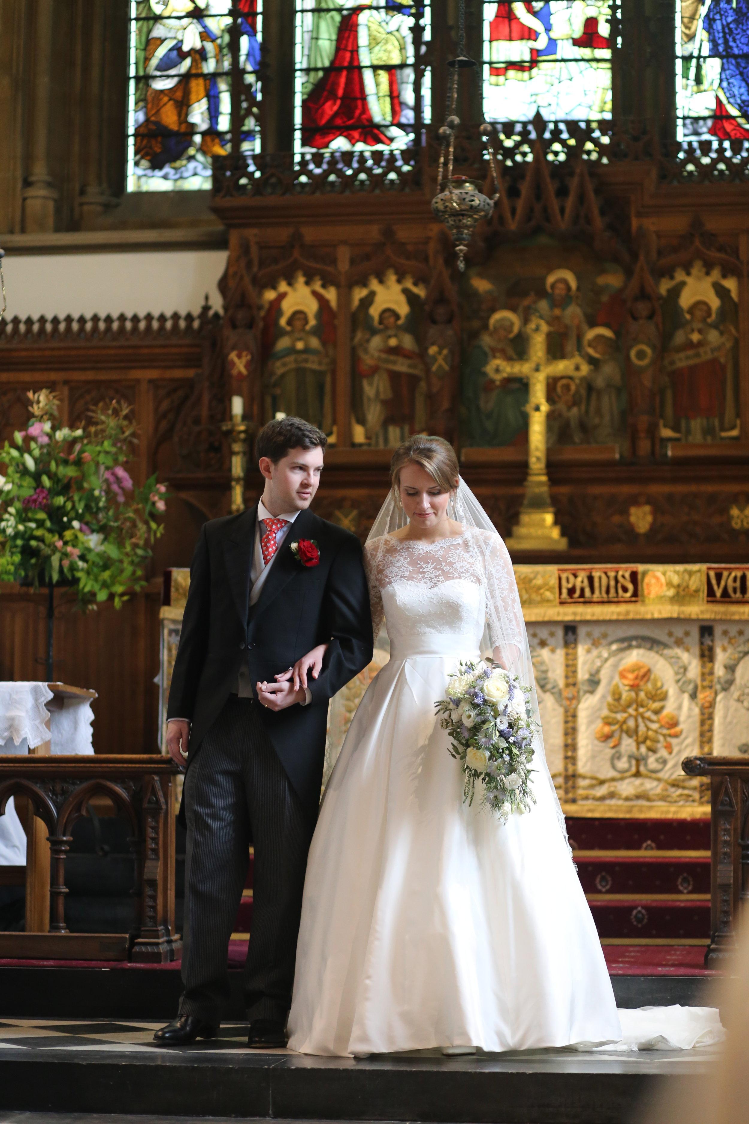 MIRIAM_FAITH_WEDDING_FLOWERS_CEREMONY_BRIDE_BOUQUET_BLUE_PASTLE_CASCADE.JPG