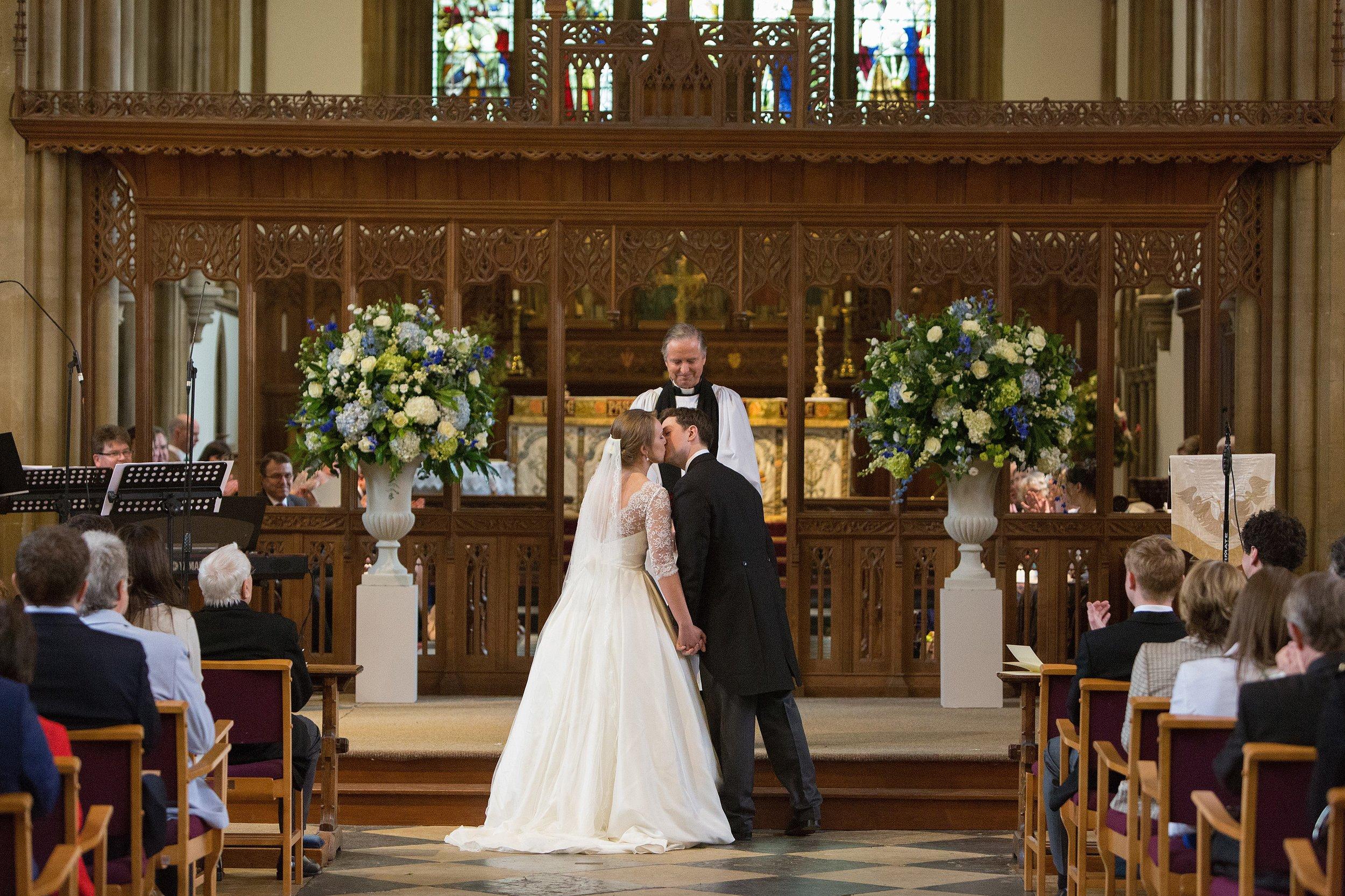 MIRIAM_FAITH_WEDDING_FLOWERS_CEREMONY_URN_CHURCH_PEDESTAL_BLUE_WHITE_GREEN_CEREMONY.JPG