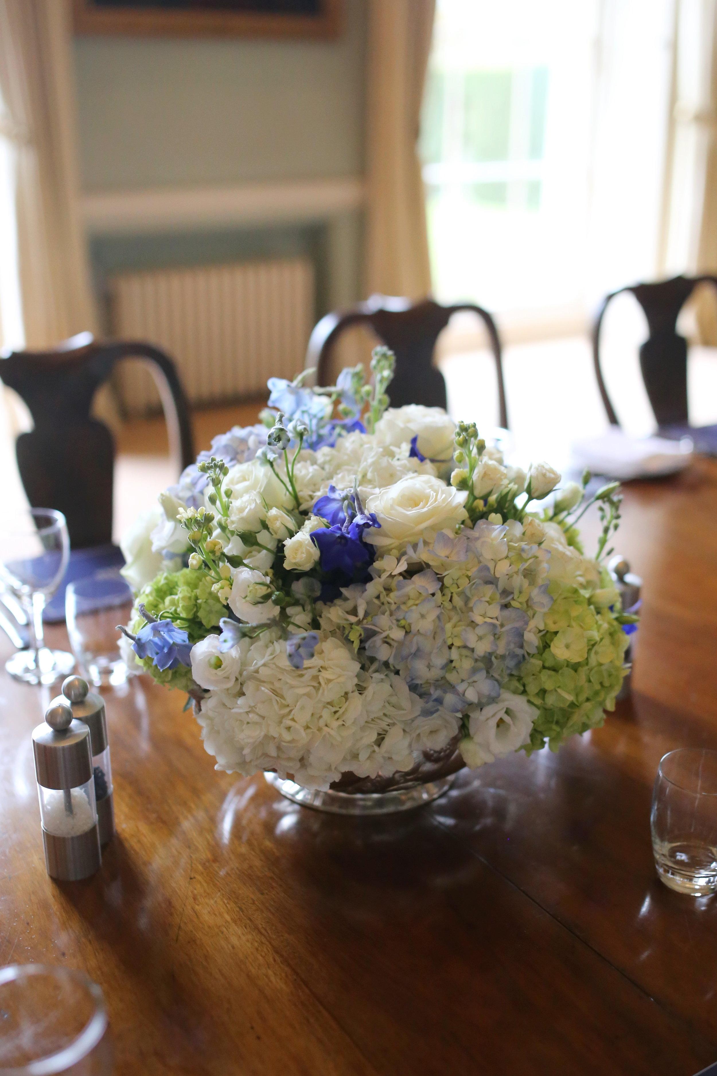 RECEPTION_LOW_TABLE_DESIGN_MIRIAM_FAITH_WEDDING_FLOWERS.JPG