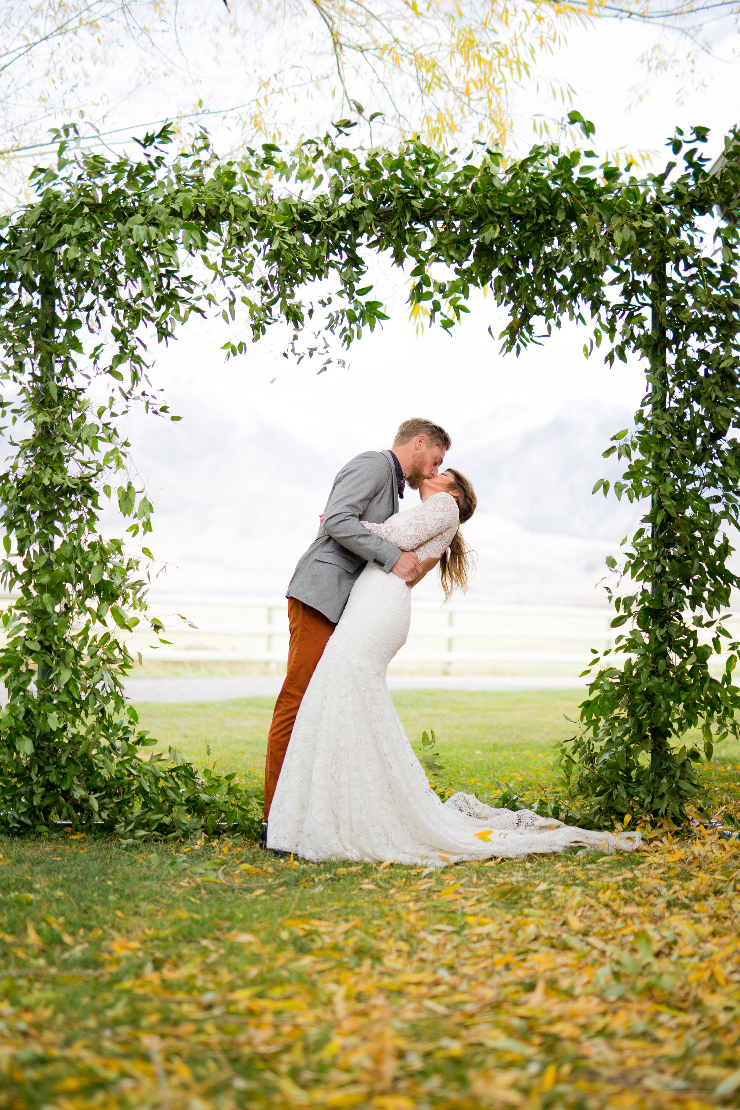 the styled shoot we did in Paradise Valley, Montana for a wedding and engagement package