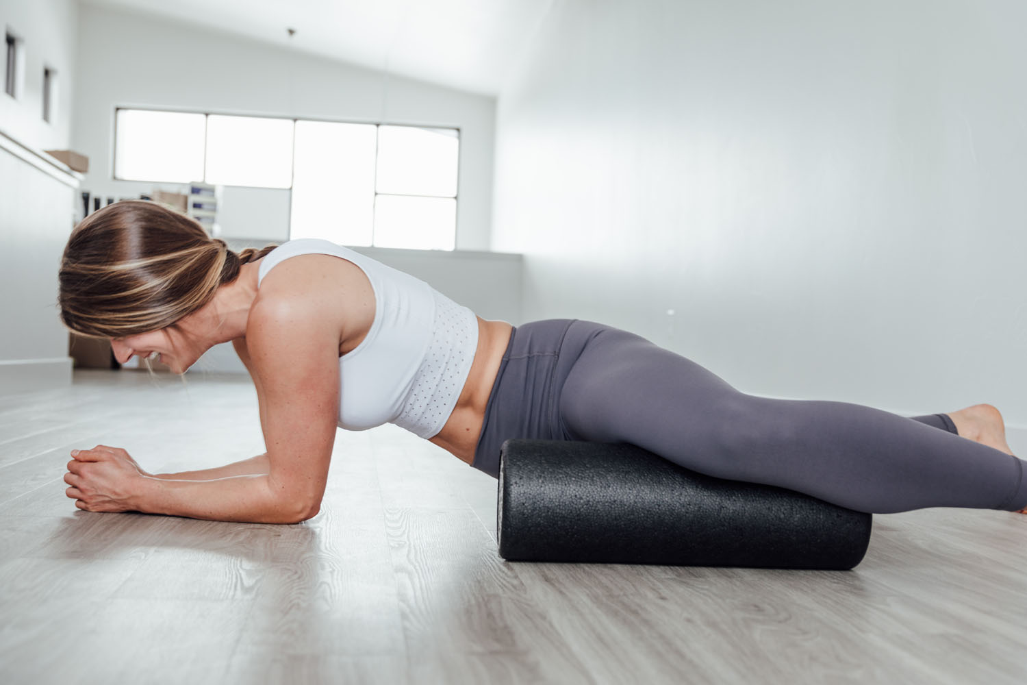 a beginners guide to foam rolling and the foam rolling benefits and foam rolling exercises