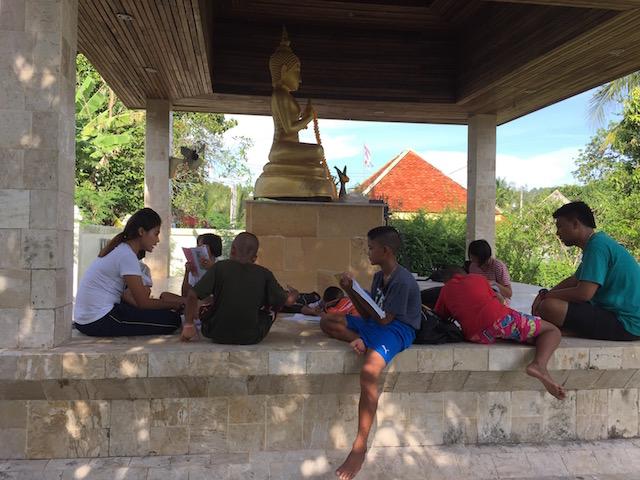 Läxläsning buddha.jpg