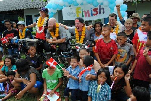 Happy Tour 2014 - En episk cykelresa från Sverige till Thailand!