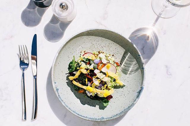 Summer salad bowl 📷: @elizabeth.cecil #ceramics #pottery #handmadeceramics #handmade #potsinaction #wheelthrown #mv #marthasvineyard #glaze #madeinaskutt #clay #stoneware #skuttkilns #ceramicsaretrending #cremerging