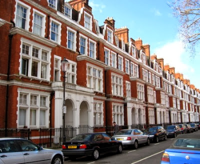 Luxury London townhouses, from  Luxist.com .