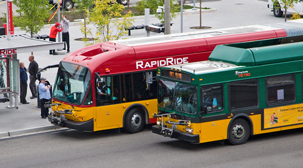 RapidRide and Standard Metro buses, photo from  westseattleblog.com .