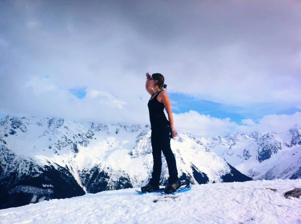 Julia Bitan standing at the top of a mountain in France