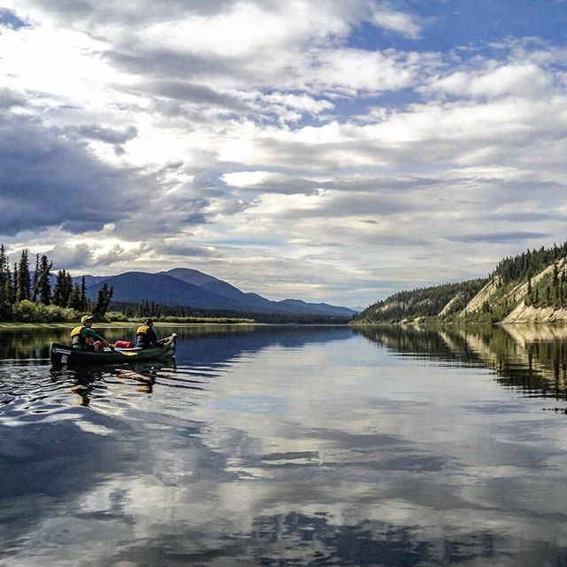 Endless rivers and amazing scenery... Yukon, Canada . . . . . #fun #awesome #adventure #wilderness #overhangadventures #yukon #yukonriver #scenery #natureporn #omg #camping #canoeing #outdoors