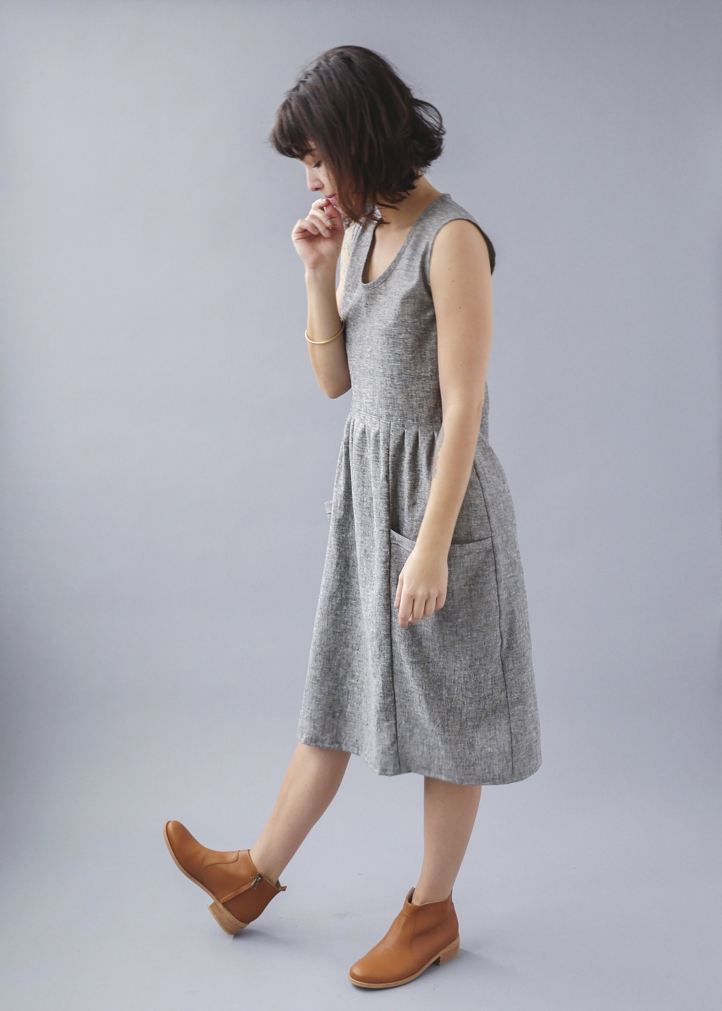 Temperate Jan sleeveless pockets grey dress-3.jpg