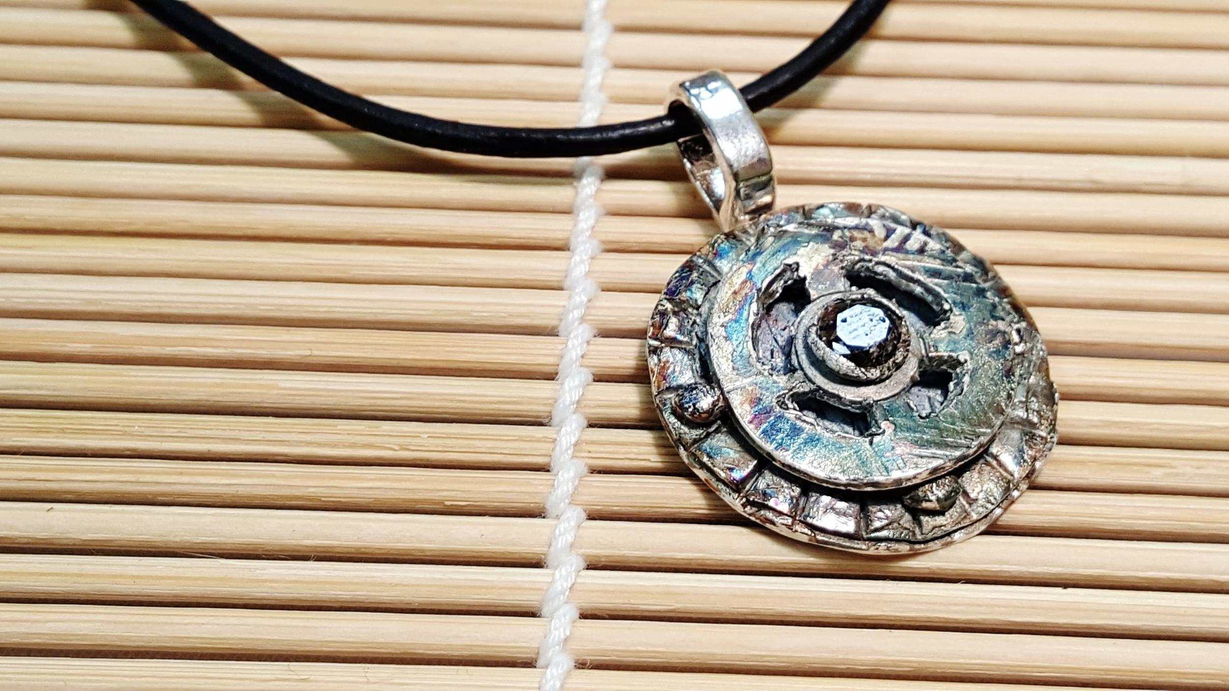 Multi-layered pendant