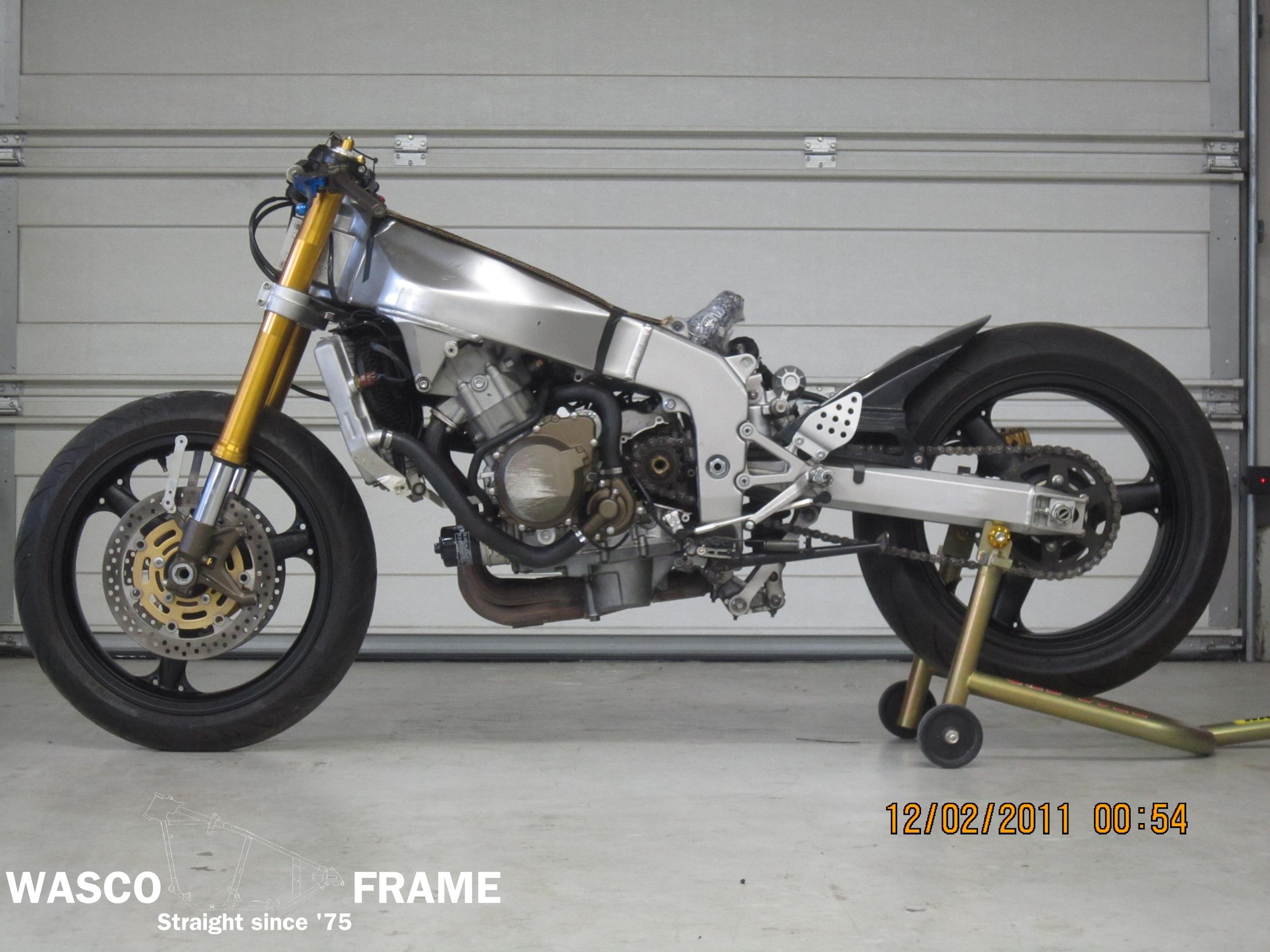 2004-kawasaki-636-frame.jpg