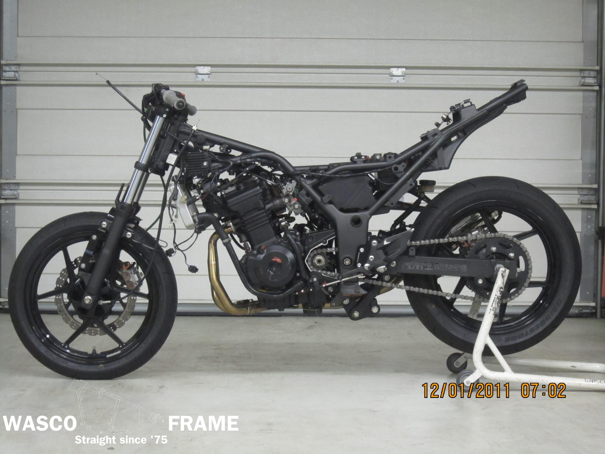 2008-kawasaki-ninja-250-frame.jpg