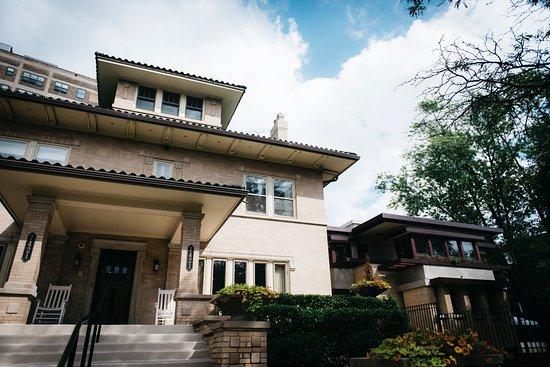 The Prairie-style Lang House