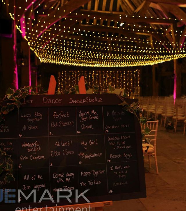 It's another First dance dweepstake with our lovely architectural lightig, floating light canopy and wall backdrop #barnwedding #weddinglighting #lightinganddjinhertfordshire #hatfieldweddingdjandlighting #architecturalligthing #fairylightingfrombluemark #pealightinginthebarn #rusticlighting #bluemarkentertainment