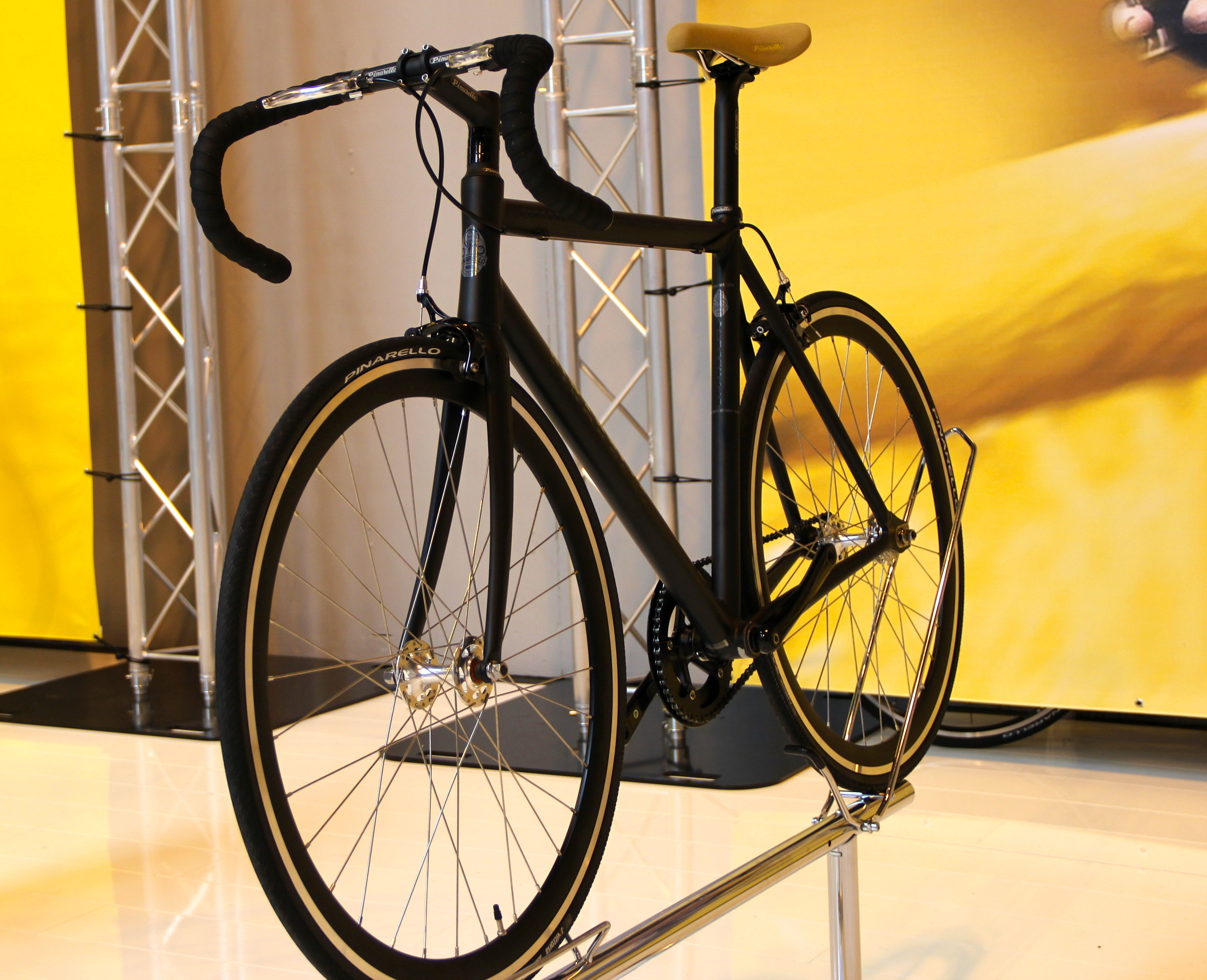 The Best Urban Bike (and also our unanimous Best In Show) was  Pinarello's new 2016 aluminium single speed/flip lop/fixie Lungavita  RRP £950 available from  the bike rooms  later this year.
