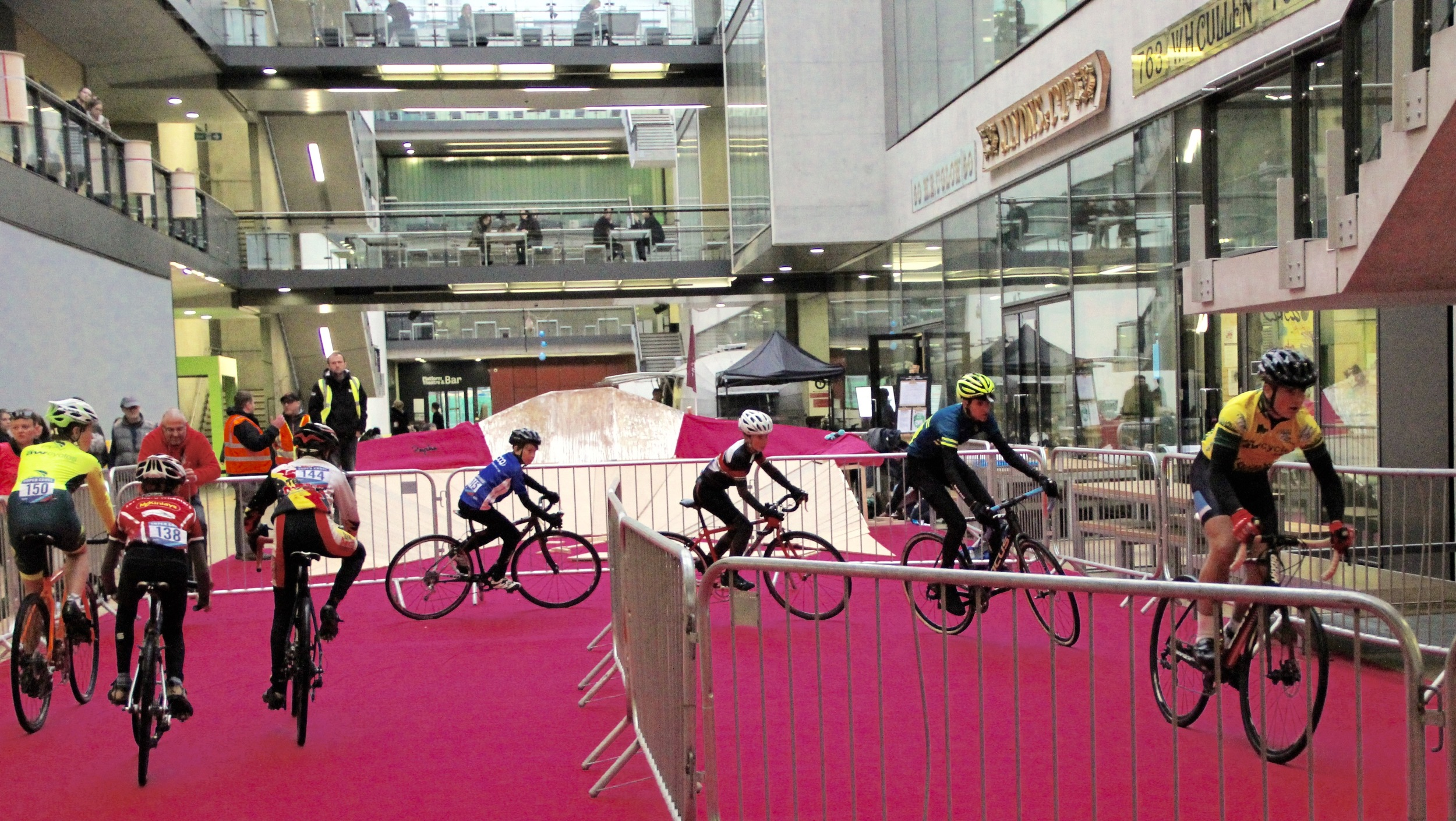 The pink carpet treatment for the Youth and Junior crossers