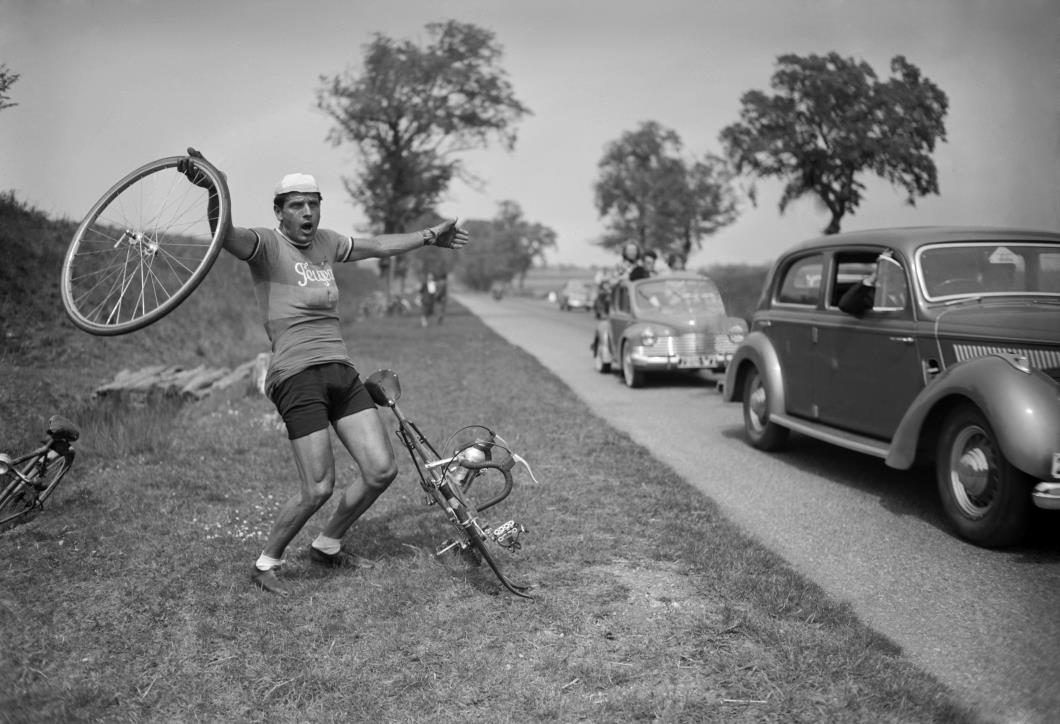 Where's my support car...! Photo courtesy of Rouleur.cc