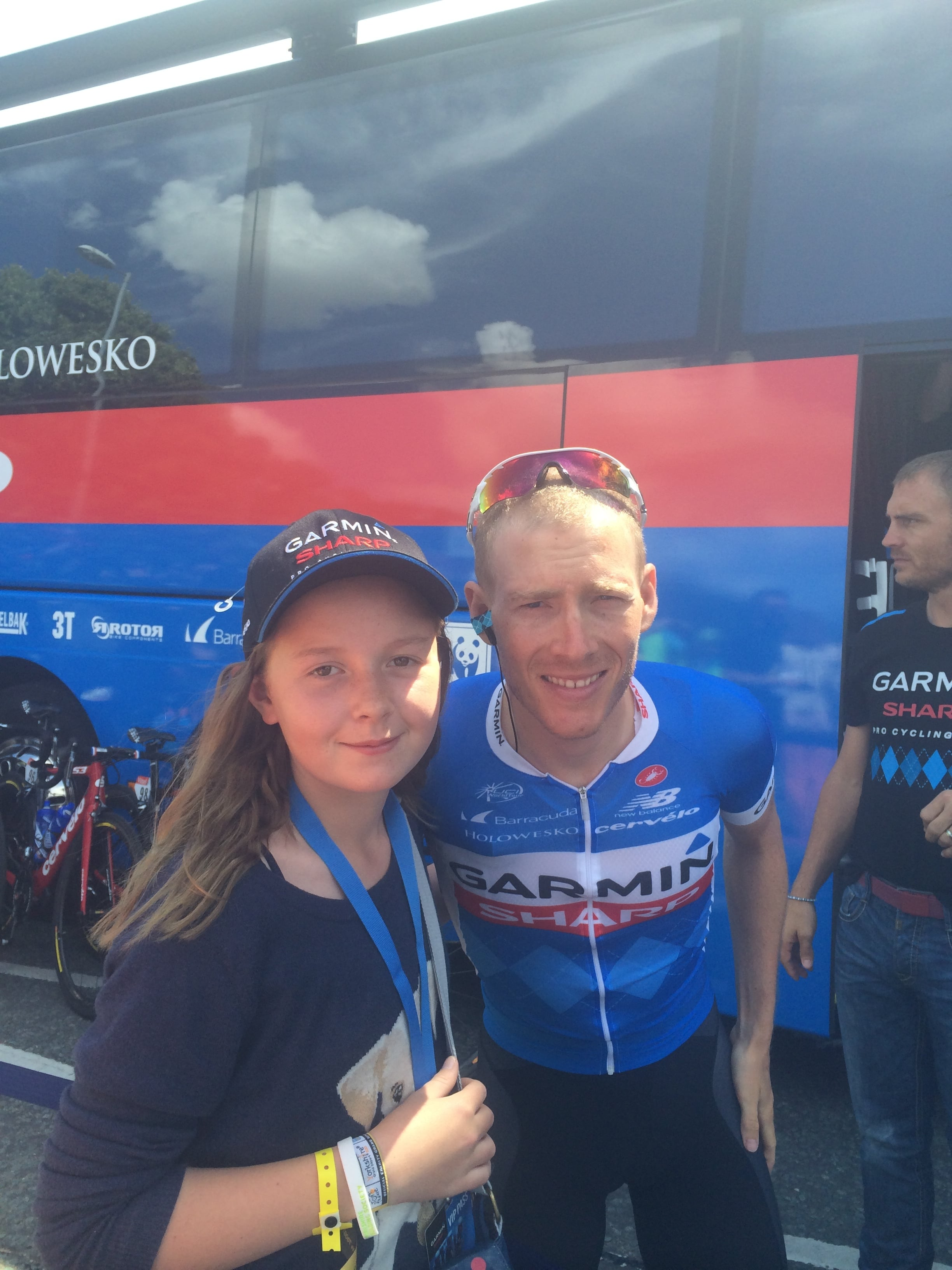 Chris's daughter Sienna meeting Andrew Talansky before the Cambridge stage of the Tour 2014