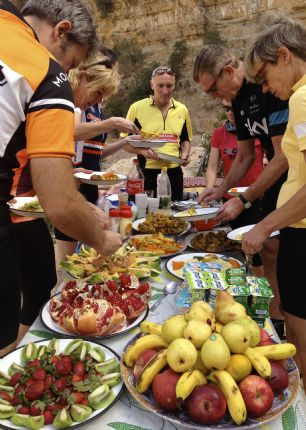 Feast in the Sahara Desert on an MTB holiday in Morocco