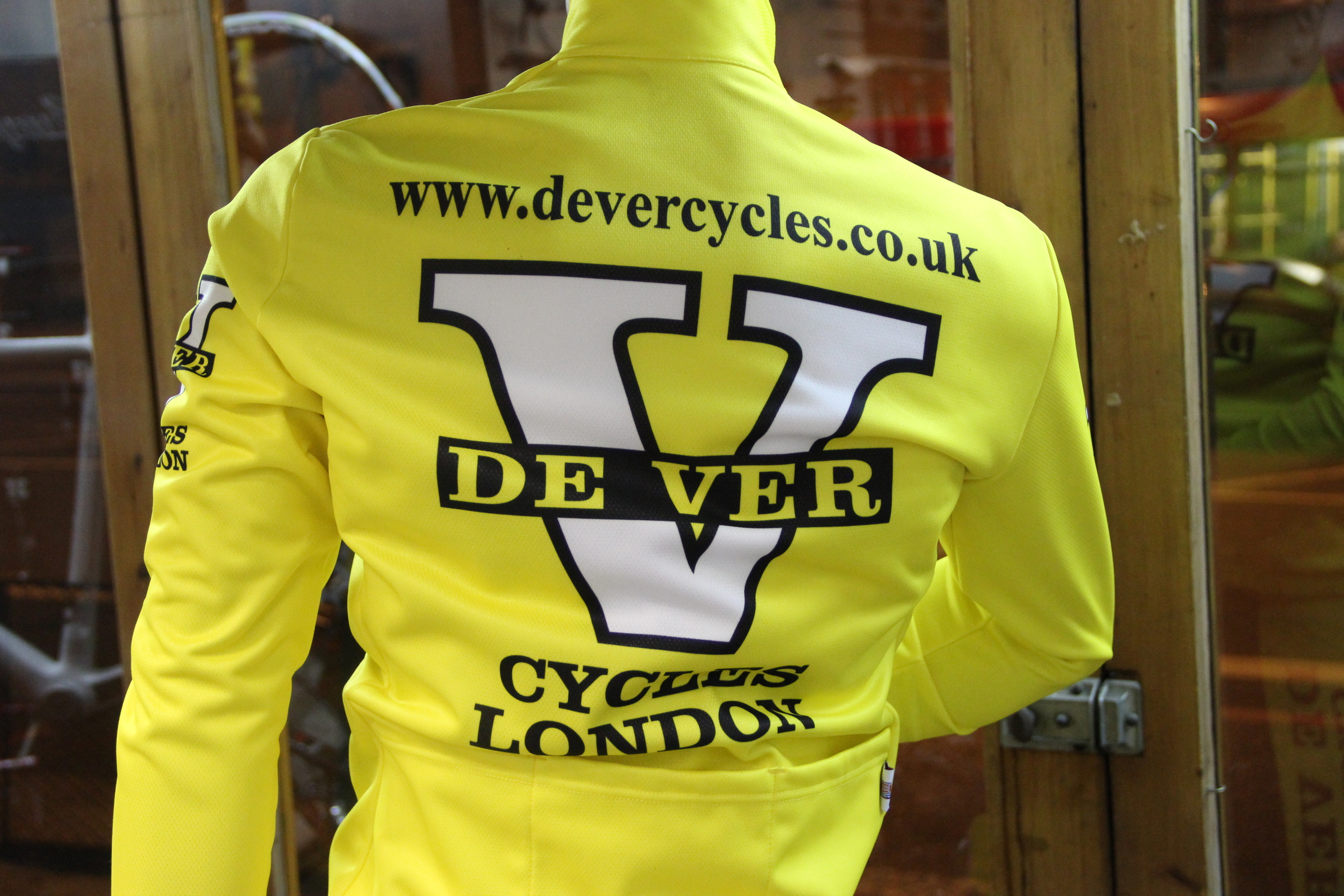 The maillot jaunes for De Ver's cycle club riders