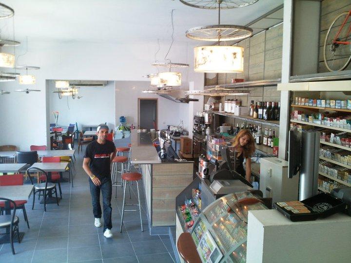The original Café du Cycliste in Chateauneuf du Grasse 2010