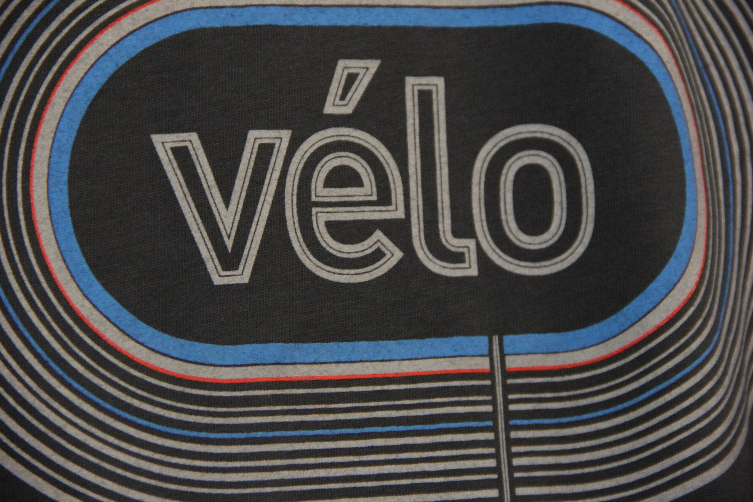 Le vélo T-shirt by  Occasional Human