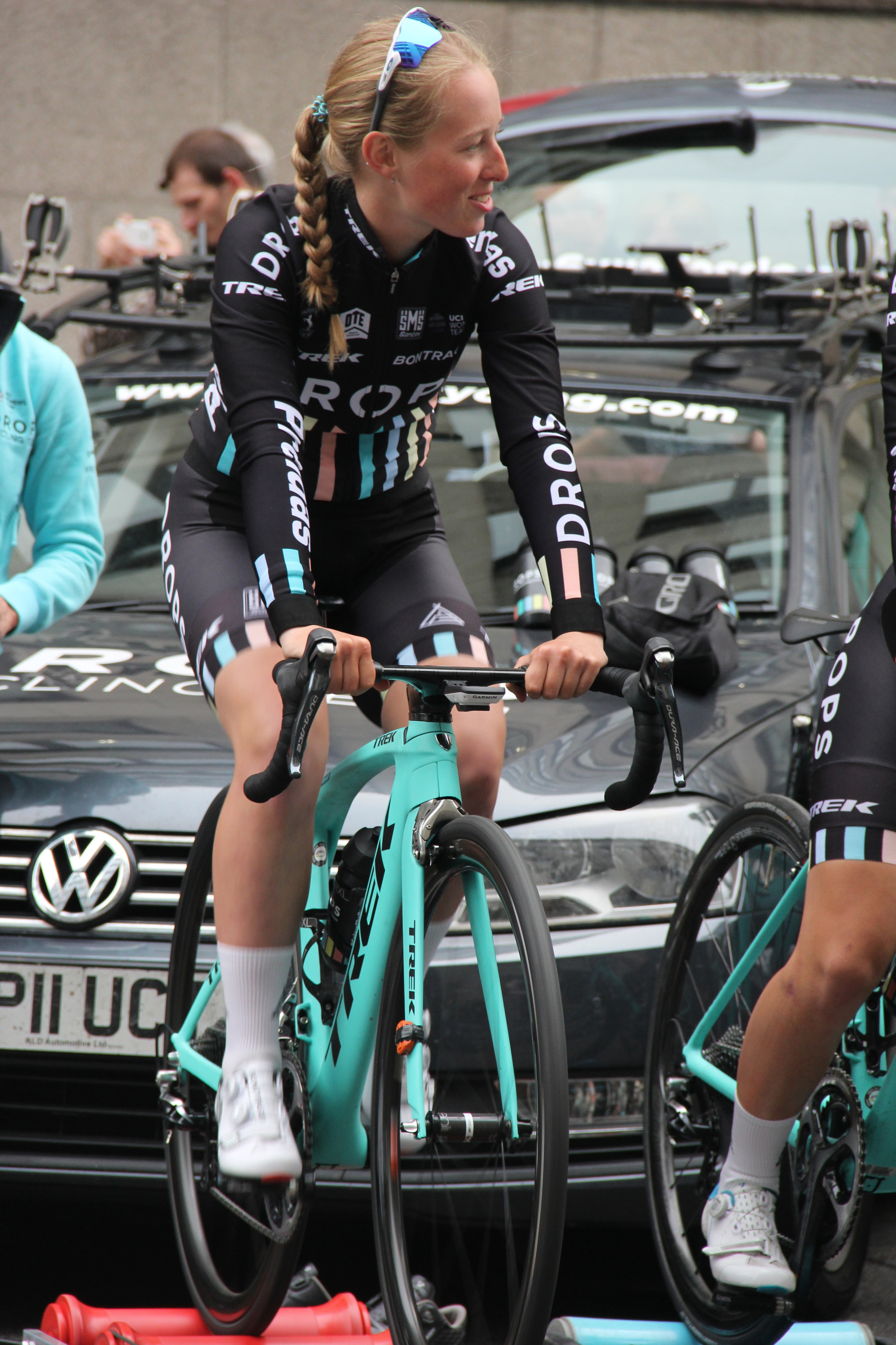 Team Drops' Alice Barnes stormed to victory in the Women's Elite race
