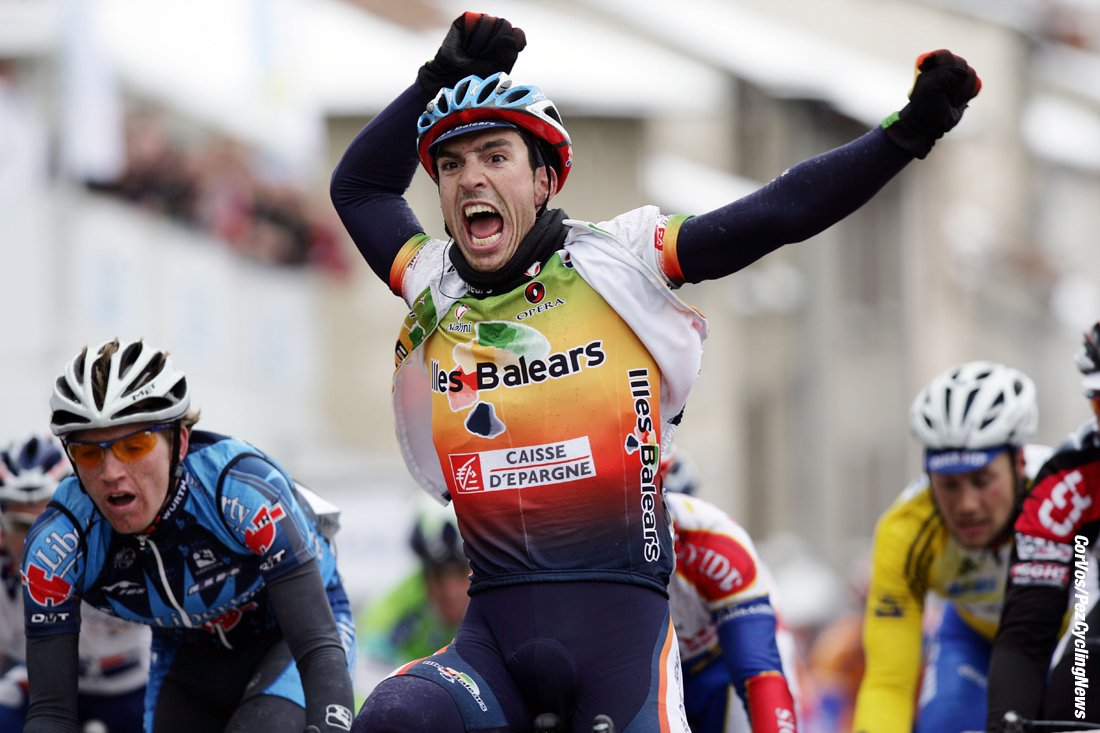 Vicente winning Stage 3 of Paris-Nice in 2005