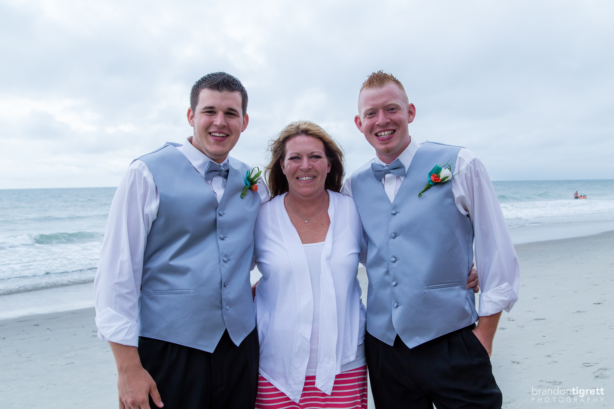 Groom with mom and brother