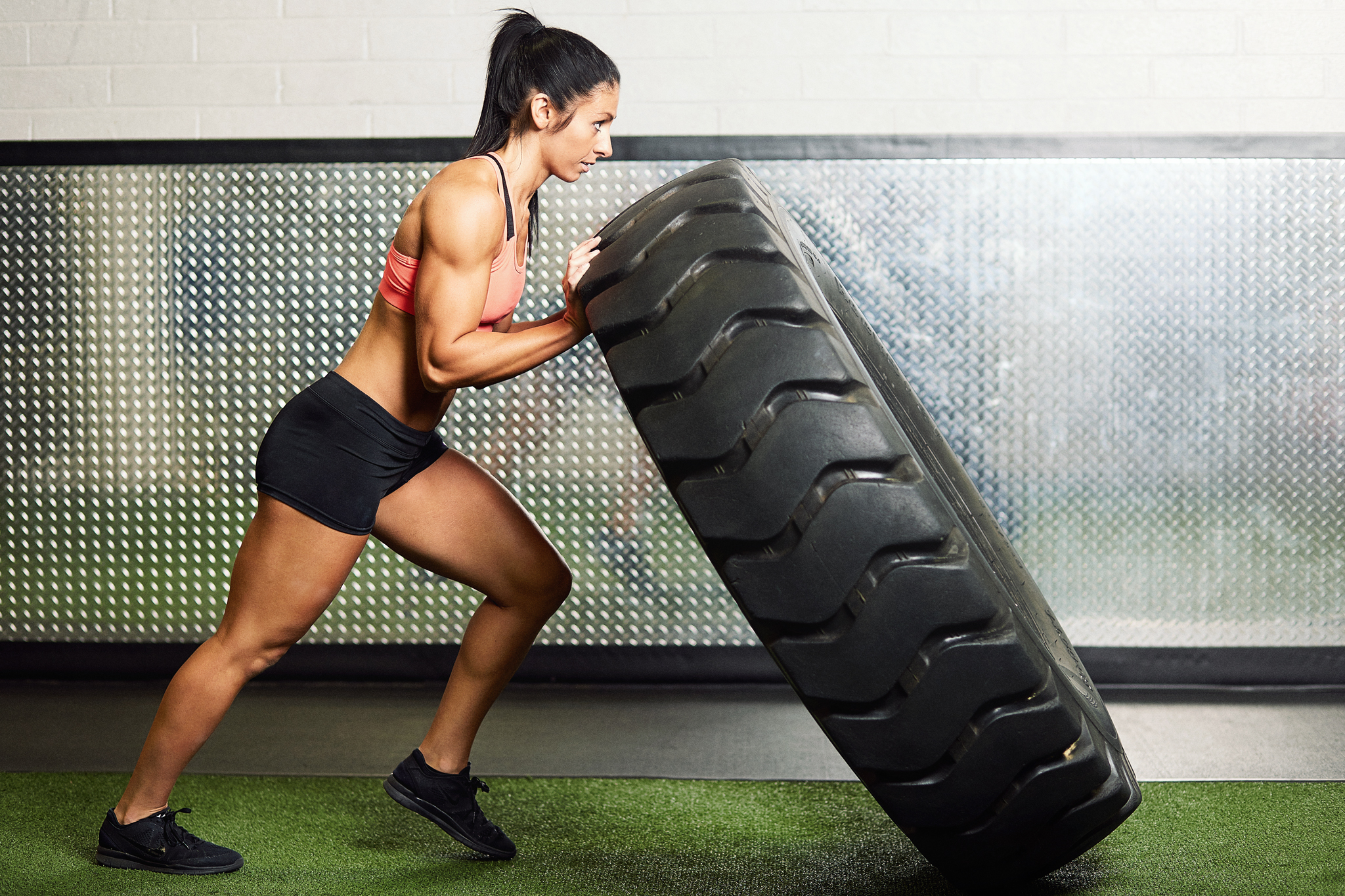 Fitness Competitor Photoshoot - tire flips - April Bleicher
