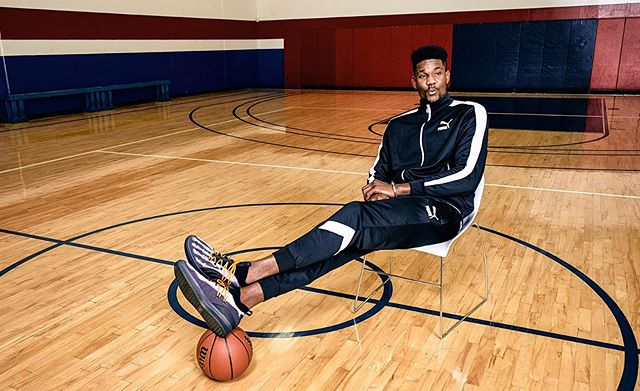 NBA playoffs are going on... so I might as well finally start sharing some of the work I shot for @pumahoops @puma and @champssports last year.  Featuring the legend that is @deandreayton rocking the Clyde Court X-Rays.  @suns #pumahoops #phoenixsuns #puma #deandreayton #advertisingphotography #commercialphotographer