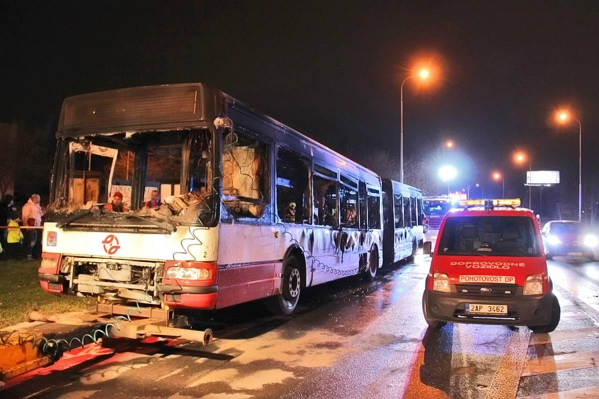 Aktuálnější fotografie vozu Citybus 18M ev. č. 6508 po řádění ohně dne 2. 12. 2015. (foto: Roman Vanka, Citybus.cz)