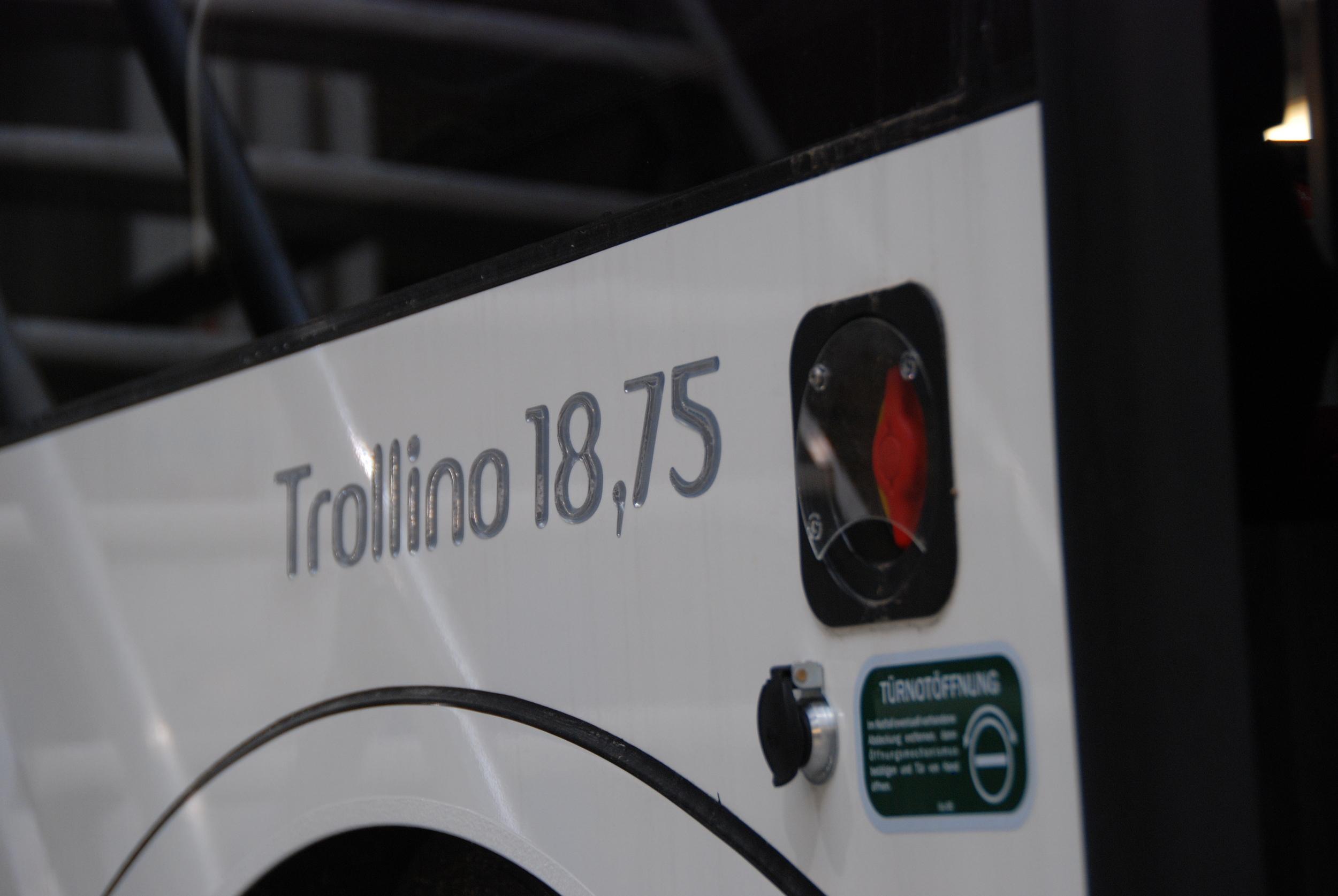 Trolejbusy mají netradiční délku 18,75 m. (foto: Libor Hinčica)