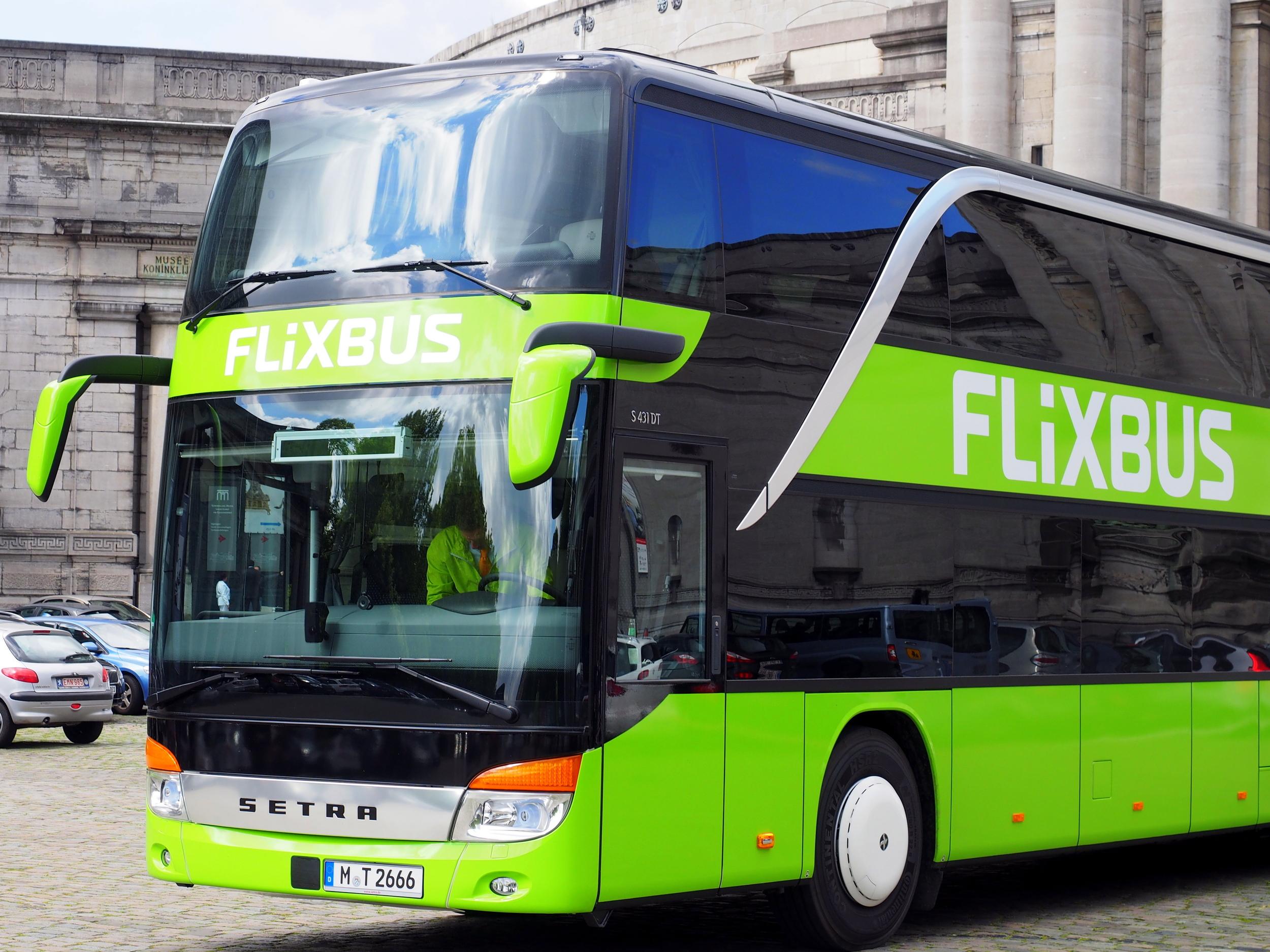 FlexiBus používá ve velké míře autobusy Setra S431DT. (foto: FlexiBus)