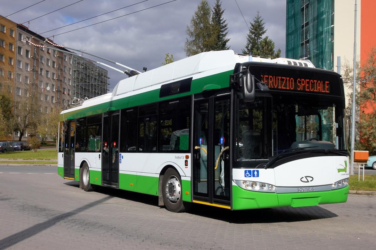 Jeden z dvojice nových trolejbusů Solaris Trollino pro Cagliari během zkoušek v Plzni. (foto: Škoda Electric)