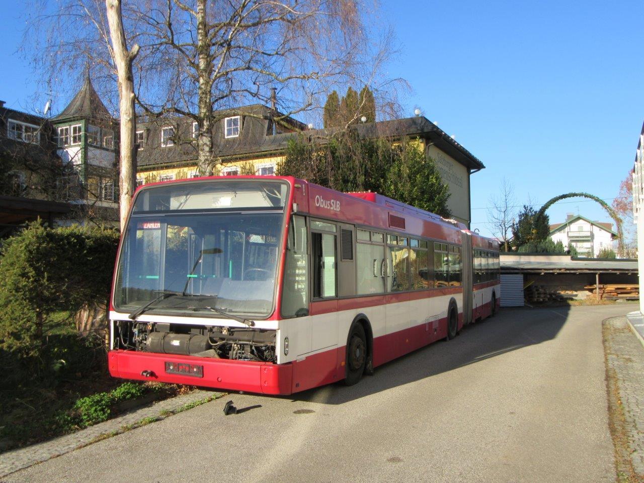 Trolejbus ev. č. 259 typu AG 300 T výrobce VanHool byl pořízen v roce 2008 z provozu Vevey - Montreux - Chillion - Villeneuve (VMCV) ve Švýcarsku. Nyní slouží pro cvičení hasičů. (foto: Gunter Mackinger)