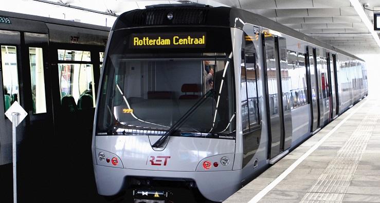 Vozy Flexity Swift existují jako tramvaje nebo lehké jednotky určené například pro metro. Na snímku jeden z dříve dodaných vozů pro Rotterdam. (foto: Bombardier)