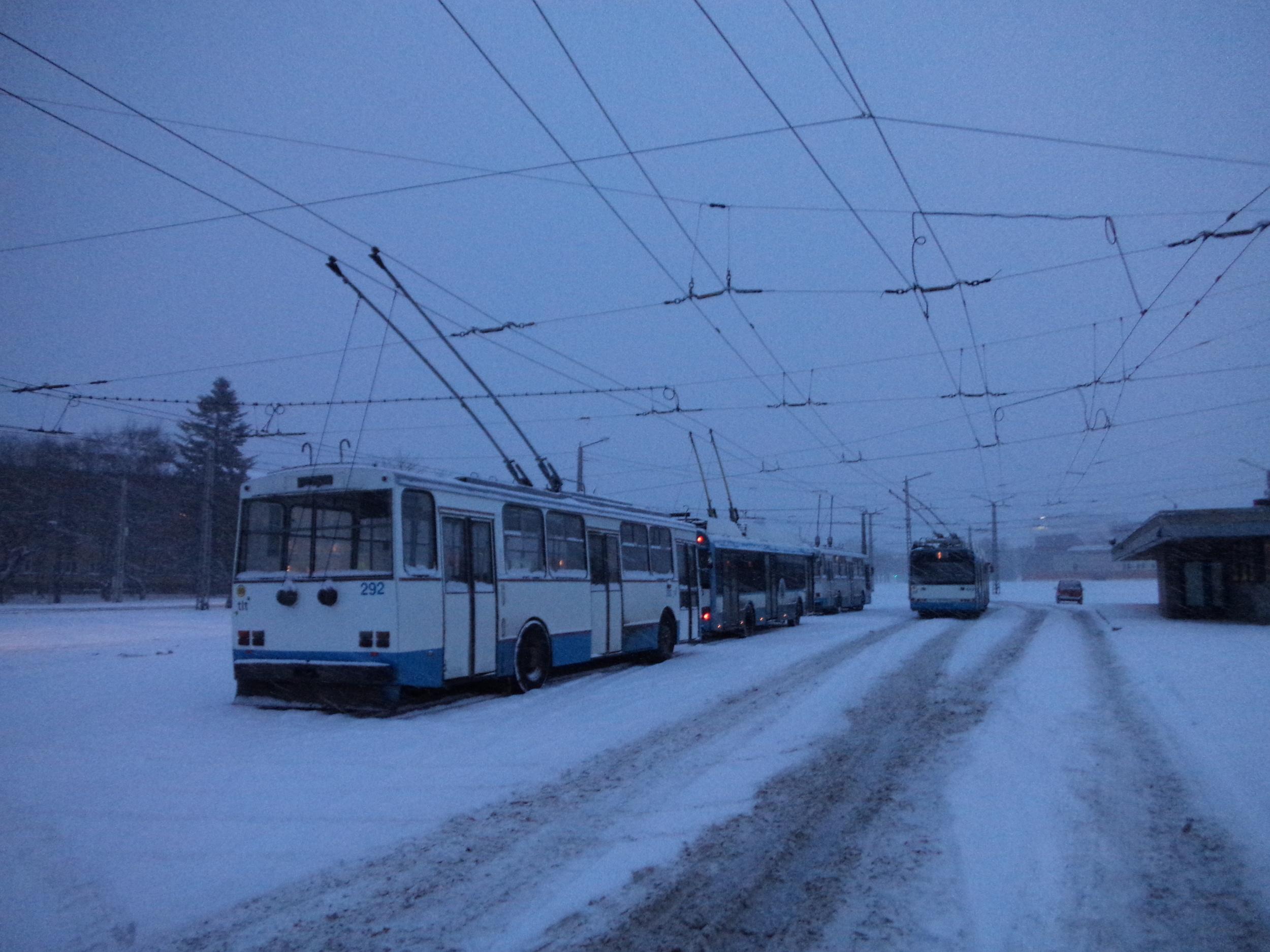 Odstavené trolejbusy na konečné Mustamäe dne 3. 1. 2016. Zlikviduje nakonec Tallinn celou svou trolejbusovou síť? (foto: Ing. Vít Hinčica, Ph.D.)