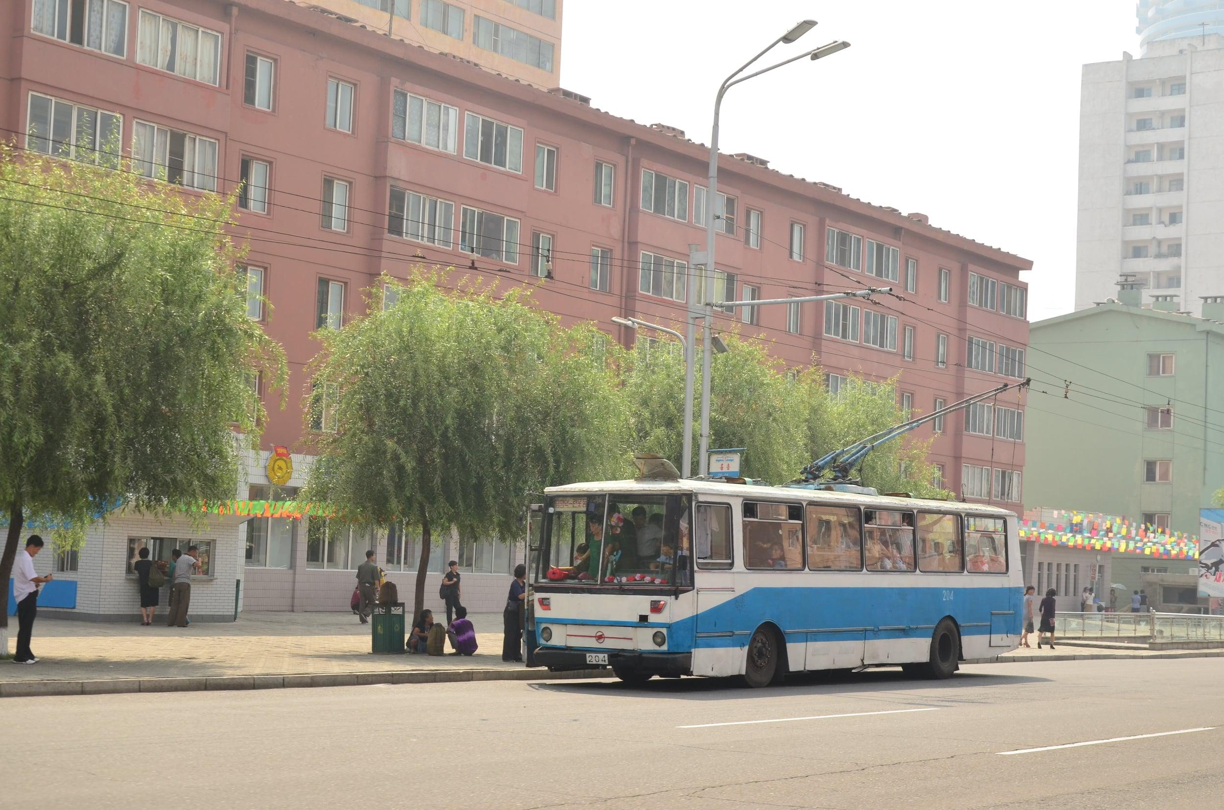 S trolejbusy postavenými na platformě vozů Karosa řady 730 se můžeme potkat v Severní Koreji. (foto: Martin Junge)